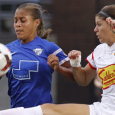 A last-gasp Sonia Bermudez strike sunk the Breakers, who fell 4-3 to the Flash on Sunday.